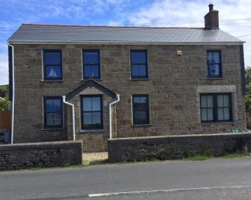 Anthracite Grey Sliding Sash Pendeen